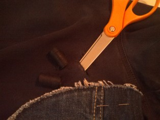 Emphasizing the hole in my jeans :(